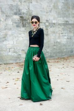 An emerald green skirt is as chic as it gets Taffeta Skirt, Pretty Outfits, Green Outfits, Pretty Clothes, Mode Style, Skirt Outfits, Classic Looks, Chic, Beautiful Dresses
