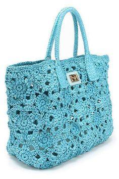 Görünümlerine sihirli birer dokunuş yapmak isteyen bayanlara özel örgüden çanta modelleri tüm bayanların beğenisini kazanacak.