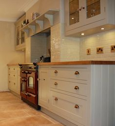 If I ever design my kitchen it will have deep strong drawers in the lower cabinets, like these. Kitchen Interior, Home Decor Kitchen, Kitchen Remodel, Kitchen Decor, Kitchen Diner, Home Kitchens, Design My Kitchen, Trendy Farmhouse Kitchen, Kitchen Design