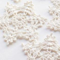 AucciKnitting | Crochet | Hand made | Häkeldeckchen | Crochet napperon | Uncinetto tovagliolo | Ebay | Ярмарка мастеров | Вязалочки | Для фона | Для декора | В квартиру | На дачу | В коттедж | В загородный дом | На ёлку | На стены | Для гирлянды | Бесплатная схема мини салфетки снежинки  Снежинки крючком к Новому Году. Бесплатное описание-схема   На заказ: 1 снежинка диаметром от 9см до 12см - 2$+бесплатная доставка обычн...