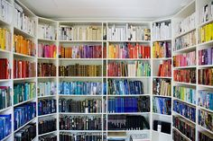 Arrange your books by color by makeyousmile #Books #Library #makeyousmile