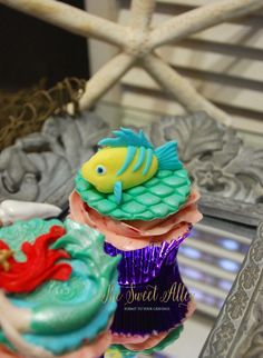 Little Mermaid cupcake- Flounder By The Sweet Alley