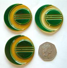 3 LARGE (45mm) Vintage Art Deco Apple Juice & Green Bakelite(Tested) Buttons