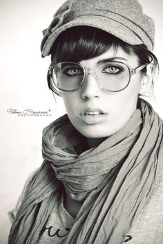 art, b and w, beauty, black and white, Sexy Photography, Fashion Photography, Photography Portraits, Girls With Glasses, Favim, Womens Glasses, Portrait Photo, Senior Portraits, Hats For Women