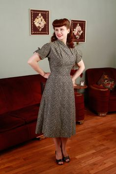 Vintage 1950s Dress  Killer Silver and Black Rose Dress