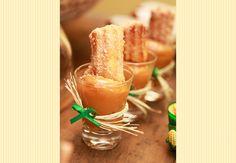 Festa infantil junina - Mini churros de doce de leite. Deliciosos e lindos! Quem não gosta?