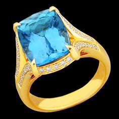 18K Yellow Gold Ring with Aquamarine (5.85ct.) four prong set and Diamonds (.30cttw) pav