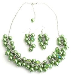 Beaded Cluster necklace in Kelly green pearls & crystals Bridesmaid jewelry in Emerald Green Necklace with matching cute grape dangling earrings. This lovely glass Kelly green pearl & crystal cluster necklace will add the finishing touch to any outfit from casual to elegant.  Material : 8mm Kelly Green Glass Pearls Necklace with 8mm crystal glass beads. Color : Kelly Green Necklace Length : 16 inches with 2 inches extension Earrings Length : 1 1/14 inches Earrings Type : French hook nickel…