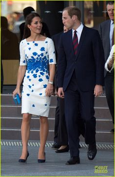 Kate Middleton & Prince William Are the Perfect Royal Pair at Brisbane Reception! | kate middleton prince william brisbane reception 03 - Ph...