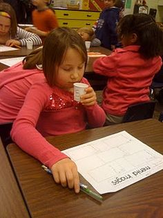 Visualization Lesson: Fill dixie cups up with different kinds of extracts (ex peppermint, cinnamon, bubble gum) and have kids write down their visualizations. 2nd Grade Class, 3rd Grade Reading, Grade 1, Visual Learning, Deep Learning, Comprehension Strategies, Reading Strategies, Summer Activities For Kids, Summer Kids