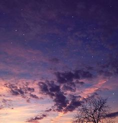 Find images and videos about aesthetic, sky and purple on We Heart It - the app to get lost in what you love. Pretty Sky, Beautiful Sky, Beautiful World, Sky Aesthetic, Purple Aesthetic, All The Bright Places, Nature Sauvage, Jolie Photo, Night Skies
