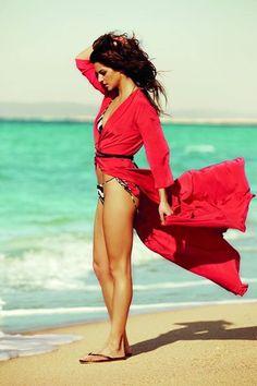 Clara Lago bella española en rojo
