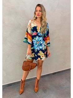 Sara Fashion, Boho Fashion, Fashion Looks, Fashion Outfits, Midi Dress Outfit, Short Dresses, Summer Dresses, Casual Chic, Casual Looks