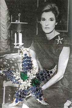 Babe Paley and her Starfish pin
