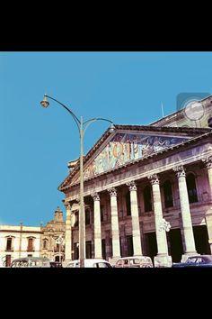 Teatro Degollado con los azulejos de Tlaquepaque del artista Roberto Montenegro - 1954