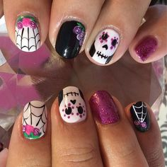 nail designs for short nails french tip nail designs for short nails essie nail stickers nail art sticker stencils best nail stickers 2019 Fancy Nails, Trendy Nails, Cute Nails, Halloween Nail Designs, Halloween Nail Art, Halloween 2019, Nail Manicure, Diy Nails, Sugar Skull Nails