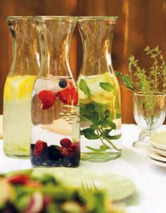 Fruit & Herb Infused Water - Nice to have on Communal Tables at Reception Dinner as well. Refreshing Summer Drinks, Fun Drinks, Yummy Drinks, Healthy Drinks, Beverages, Fruit Infused Water, Infused Waters, Flavored Waters, Reception Food