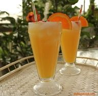 Creamsicle Delight--OJ, Ginger Ale, and Pinnacle Whipped Vodka