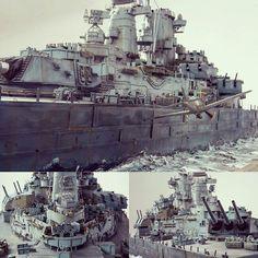"Wow!!! ""Kamikaze Attack VS USS Missouri"" 1/72 scratchbuild. Master modeler René Hieronymus #scalemodel #plastimodelismo #miniatura #miniature #maqueta #maquette #modelismo #modelism #modelisme #miniatur #plasticmodel #plastimodelo #hobby #diorama #usinadoskits #udk #scratch"
