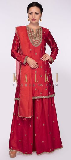 Buy Online from the link below. We ship worldwide (Free Shipping over US$100)  Click Anywhere to Tag Red raw silk sharara set in zardosi and sequins butti only on Kalki Red raw silk sharara adorn in zardosi and sequins embroidered butti and border.Paired with a matching suit in zardosi and sequins embroidered neckline, hemline , rim sleeves and also in butti work.Comes with a matching organza dupatta with sequins embroidered butti and border with tassel. Sharara, Salwar Kameez, Anarkali, Palazzo Suit, Punjabi Suits, Indian Designer Wear, Straight Cut, Indian Outfits, Hemline