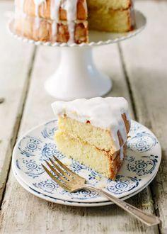 Recipe: Donal Skehan's Lemon Marshmallow Cake Layer Cake Recipes, Dessert Cake Recipes, Layer Cakes, Sweet Desserts, Brunch Recipes, Marshmallow Cake, Dinner Party Desserts, Dinner Menu, Lemon Recipes