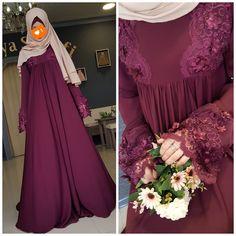 """1,976 Likes, 126 Comments - Для мусульманок, с любовью❤ (@asiya_salyafi) on Instagram: """"Все просили платье в полный рост Воть вам оно,во всей красе) На голове,наш двухслойный платочек…"""""""