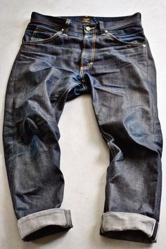 Lee 101 - This is what happens when you wear an unwashed LEE... Raw Denim