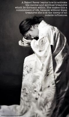 """artemisdreaming: """" Butterfly HERE Photography: Josephine Cardin Model/Dancer: Lisa Ushino """" Martial, Memoirs Of A Geisha, Madame Butterfly, What Inspires You, Source Of Inspiration, Japanese Art, Japanese Kimono, Oeuvre D'art, Black And White Photography"""