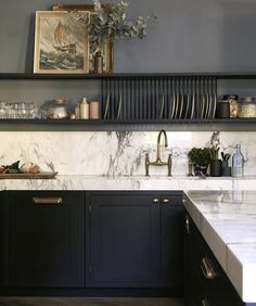 black and white kitchen design, tuxedo kitchen with black cabinets nad white marble countertop with open shelf styling, traditional kitchen design, glam kitchen design with gold hardware Black Kitchen Cabinets, Black Kitchens, Home Kitchens, Kitchen Black, Navy Cabinets, Minimal Kitchen, New Kitchen, Kitchen Interior, Open Shelf Kitchen