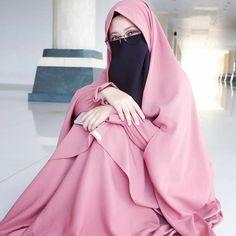 Hijab Fashion, Fashion Clothes, Fashion Outfits, Face Veil, Hijab Styles, Girl Hijab, Abayas, Niqab, Elegant