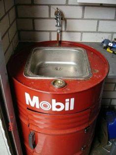 Pia com barril Mobil