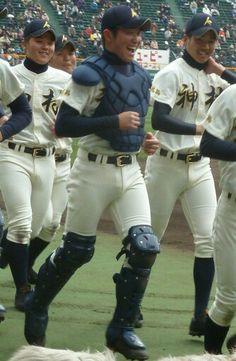 鹿児島・神村学園             http://blogs.yahoo.co.jp/uni_baseball/31378474.html