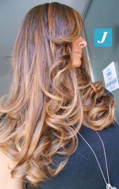 Passione per i capelli. #cdj #degradejoelle #tagliopuntearia #degradé #igers #musthave #hair #hairstyle #haircolour #longhair #ootd #hairfashion #madeinitaly #wellastudionyc