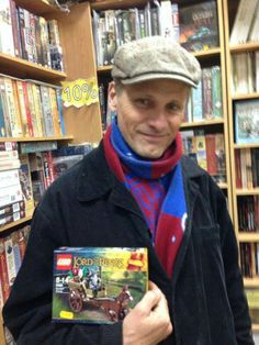 #Viggo Mortensen I missed him in the bookstore in Tucson by 10 minutes. maybe five.