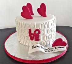 Order Unique And Customized Valentine Cake Online. Get inside Cake Designs Ideas - Cake Design Ideas Unique Cakes, Creative Cakes, Pretty Cakes, Cute Cakes, Mini Cakes, Cupcake Cakes, Decors Pate A Sucre, Dessert Original, Heart Cakes