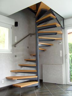 home stairs design ideas can attract the eyes. Choose between an art gallery, unique runner, and vintage design for your stairs. Spiral Stairs Design, Small Staircase, Loft Staircase, Home Stairs Design, Interior Stairs, House Stairs, Spiral Staircase, House Design, Staircase Ideas