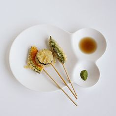 Savone Divided Bubble Plates ... Would be awesome for sushi don't you think ?