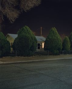 Isolation and anonymity in modern suburbia // american photographer TODD HIDO