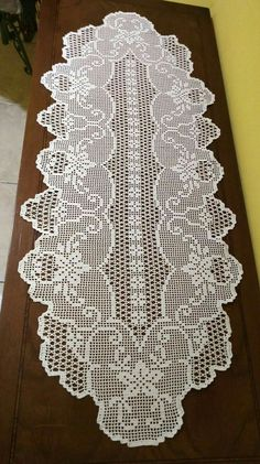 Crochet Table Runner Pattern, Crochet Doily Patterns, Crochet Tablecloth, Crochet Motif, Crochet Designs, Crochet Doilies, Crochet Lace, Crochet Toddler Dress, Crochet Poncho