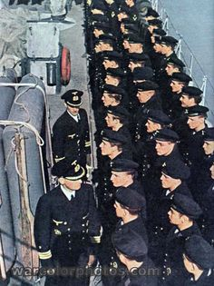 War at Sea 1940-1945  -  Lining up