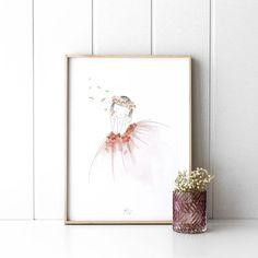 Lámina infantil Dance | ¡Es la hora de soñar! La lámina Dance, con una dulce bailarina con su tutú y detalles de flores en rosa, llenará la habitación de tu peque de fantasía e ilusión. * No incluye marco.  #kenayhome #home #lámina #infantil #dance #decoración #kids #deco #hogar #dormitorio #rosa #blanco #nórdico Easy Drawings, Color Rosa, Diy, Ralph Lauren, Ideas, Stone Art, Illusions, Vinyls, Ballerinas