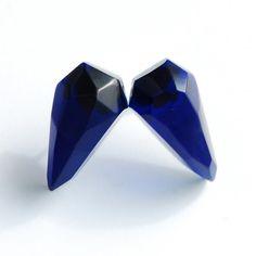 kolczyki - inne-granatowe trójkąty, 45 zł