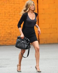 Jeniffer Aniston, Jennifer Aniston Pictures, Jennifer Aniston Style, Look Fashion, New Fashion, Womens Fashion, John Aniston, Beauté Blonde, Jennifer Connelly