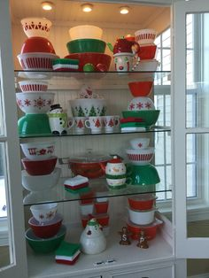 Pyrex, red and green Christmas 2015