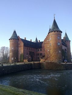 Slott by hepp, via Flickr Trolleholm Castle, near Eslöv.  Still my favorite castle in Sweden.