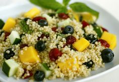 Looking for Bulk Quinoa? This super-seed is packed with rich protein including all nine essential amino acids, twice the amount of fiber, rich in magnesium, lysine and other important nutrients. Real Food Recipes, Diet Recipes, Vegetarian Recipes, Healthy Recipes, Think Food, Love Food, Healthy Cooking, Healthy Eating, Healthy Food