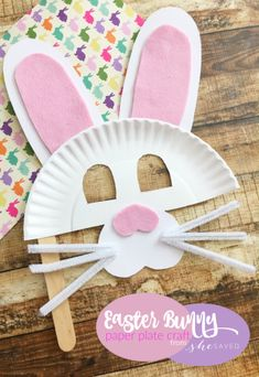 Looking for a fun preschool Easter craft? This Easter Bunny Paper Plate is easy and fun for little hands! #artsandcraftsideas,