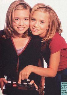 Ashley Mary Kate Olsen, Ashley Olsen, Olsen Twins Style, House Cast, Full House, 2000s, Gta, Celebrity Style, Celebs