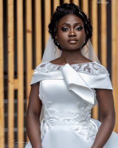 Eyebrow Makeup Tips, Two Best Friends, Tears Of Joy, African Beauty, Paper Flowers, Wedding Ceremony, One Shoulder Wedding Dress, Wedding Photos, Groom