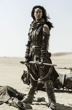"""bitch-media: """"The women of Mad Max. New film Mad Max: Fury Road revolves not around Max, but around Charlize Theron's character, a """"war rig"""" truck driver named Furiosa who's on a mission to free five. Mad Max Fury Road, Post Apocalyptic Costume, Post Apocalyptic Fashion, Post Apocalyptic Clothing, Post Apocalypse, Apocalypse Costume, Cyberpunk, Mad Max Costume, Mad Max Cosplay"""